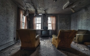 Picture room, TV, chairs