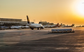 Picture Sunset, Sunrise, Airport, Boeing, The plane, Passenger, 737