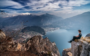 Picture the sky, clouds, mountains, the city, lake, rocks, valley, male, solar, contemplation