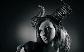 Picture girl, horns, Dark Places, Joachim Bergauer
