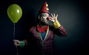 Picture people, ball, clown