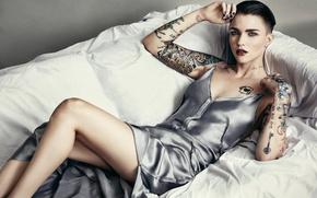 Picture sofa, model, makeup, figure, dress, actress, brunette, tattoo, hairstyle, lies, photoshoot, posing, body art, Justin …