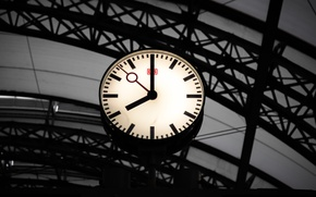 Picture the city, watch, station, black, minimalistic, clock