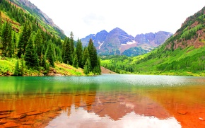 Picture forest, water, mountains, lake, stones, rocks, the bottom, gorge, USA, Colorado, Maroon Bells