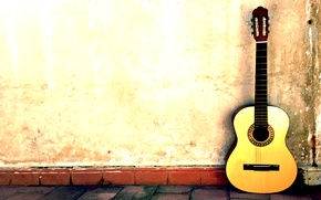 Picture wall, street, guitar