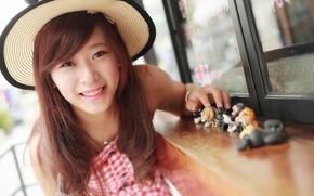 Picture girl, face, smile, hat