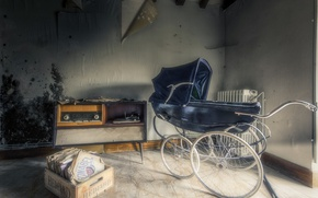 Picture stroller, player, records