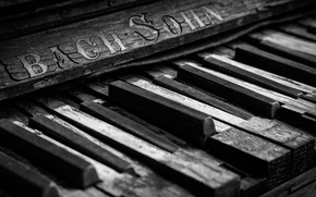 Picture keys, Broken, old piano, Bach