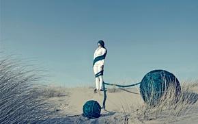 Picture girl, desert, balls, yarn