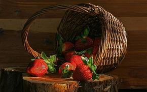 Wallpaper stump, basket, strawberry