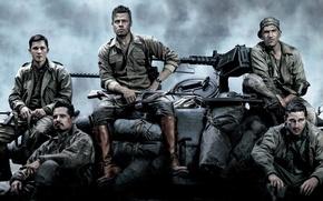 "Picture tank, Brad Pitt, Brad Pitt, the crew, M4 Sherman, Fury, ""Fury"""