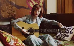 Picture guitar, journal, photoshoot, Karen Elson, The Edit