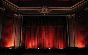 Picture theatre, curtain, waiting