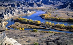 Picture nature, river, mountains, Montana's Missouri River
