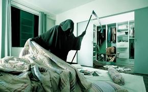 Wallpaper Apartment, Hide and seek, Death