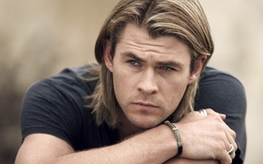 Picture look, face, hands, t-shirt, actor, male, blonde, Chris Hemsworth, Chris Hemsworth