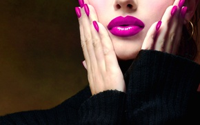 Picture girl, face, lipstick, lips, fingers, sweater, manicure