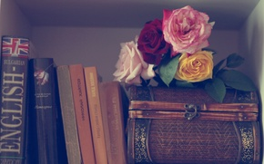 Picture flowers, books, roses, box