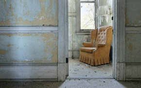 Picture room, chair, the door