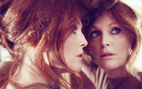 Picture reflection, actress, mirror, red, Julianne Moore, Julianne Moore
