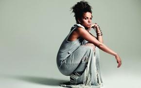 Picture singer, black woman, Ms Dynamite