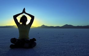 Picture Girl, desert, mountains, sun, meditating