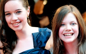 Picture girl, The Chronicles Of Narnia, The Chronicles of Narnia, Georgie Henley, Anna Popplewell