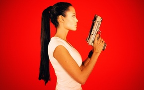 Wallpaper face, weapons, hair, guns, actress, Angelina Jolie, tail, profile, red background, Lara Croft, Tomb raider, ...