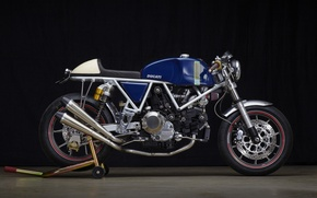 Picture custom, classic motorcycle, Ducati 750