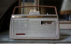 Wallpaper receiver, radio, transistor
