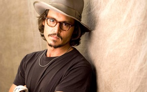 Picture hat, hands, glasses, Johnny Depp
