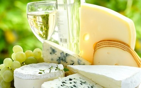 Picture cheese, wine, grapes