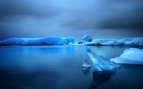 Picture ice, sea, reflection, storm, gray clouds
