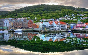 Picture the city, reflection, river, home, pier, boats, street, Norway, country, Bergen