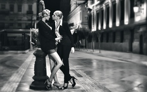 Picture the city, girls, street, Tango more