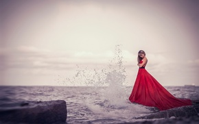 Picture squirt, wave, surf, red dress, Girl at the sea
