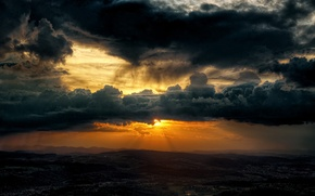 Picture the sky, the sun, clouds, valley