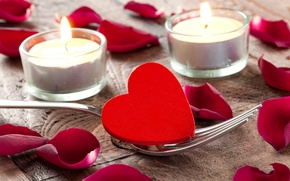 Picture heart, candles, plug