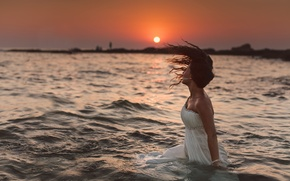 Picture water, girl, sunset