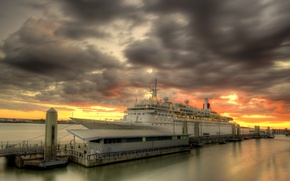 Picture sunset, Liverpool, MV Boudicca