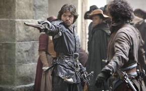 Picture gun, The series, Athos, The Musketeers, The Musketeers, Tom Burke