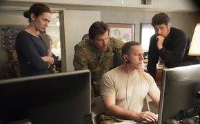 Picture frame, Benicio Del Toro, Emily Blunt, Emily Blunt, Josh Brolin, Josh Brolin, Benicio Del Toro, …