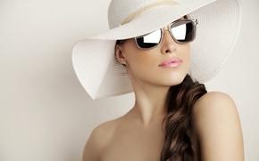 Picture close-up, background, hat, makeup, brunette, glasses, cute
