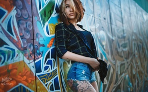 Picture girl, wall, graffiti, shorts, figure, slim, tattoo, hairstyle, shirt, brown hair, is, photographer, sexy, SOLOVЬEV
