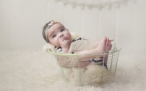 Picture basket, girl, baby