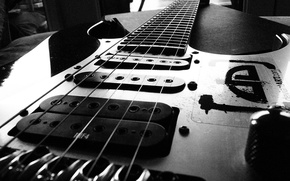 Picture strings, black, electric guitar, pickups