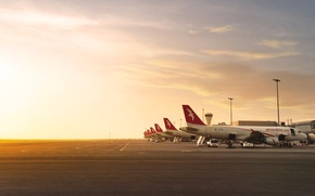 Picture Sunset, The plane, Light, Airport, Boeing, Aviation, A lot, 777, Side view, Air Arabia
