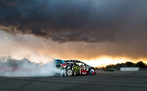 Picture smoke, ford, ken block, slip, fiesta, rx43