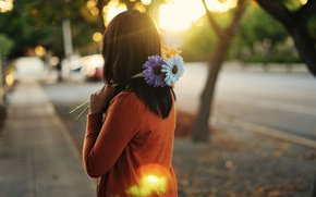 Picture purple, girl, the sun, rays, flowers, orange, the city, background, blue, widescreen, Wallpaper, street, mood, ...