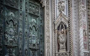 Picture wall, decorated, florence cathedralm